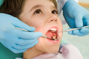 Pediatric exam at oral surgeon